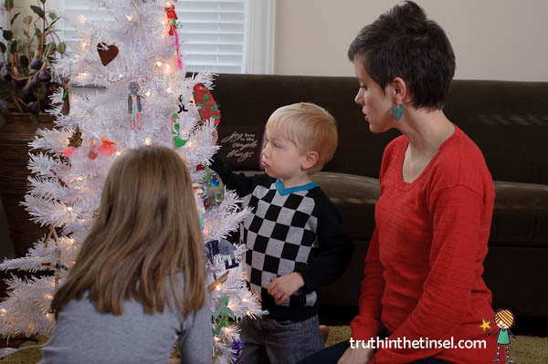at-the-christmas-tree-truth-tinsel-picture